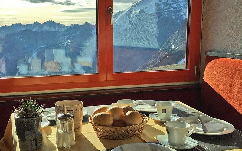 Breakfast at the Tibet Hut