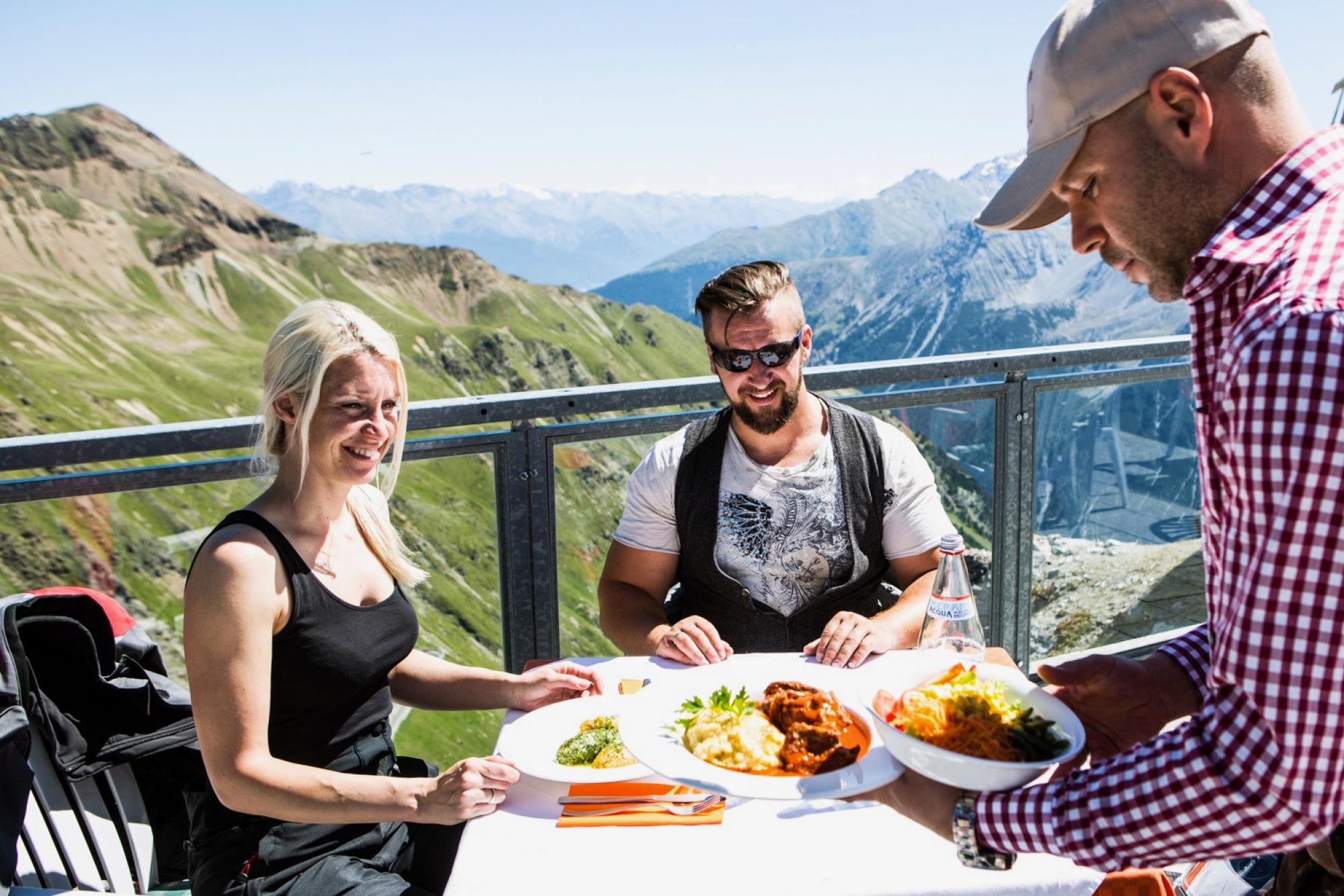 Restaurant Tibet Hut on the Stelvio Pass