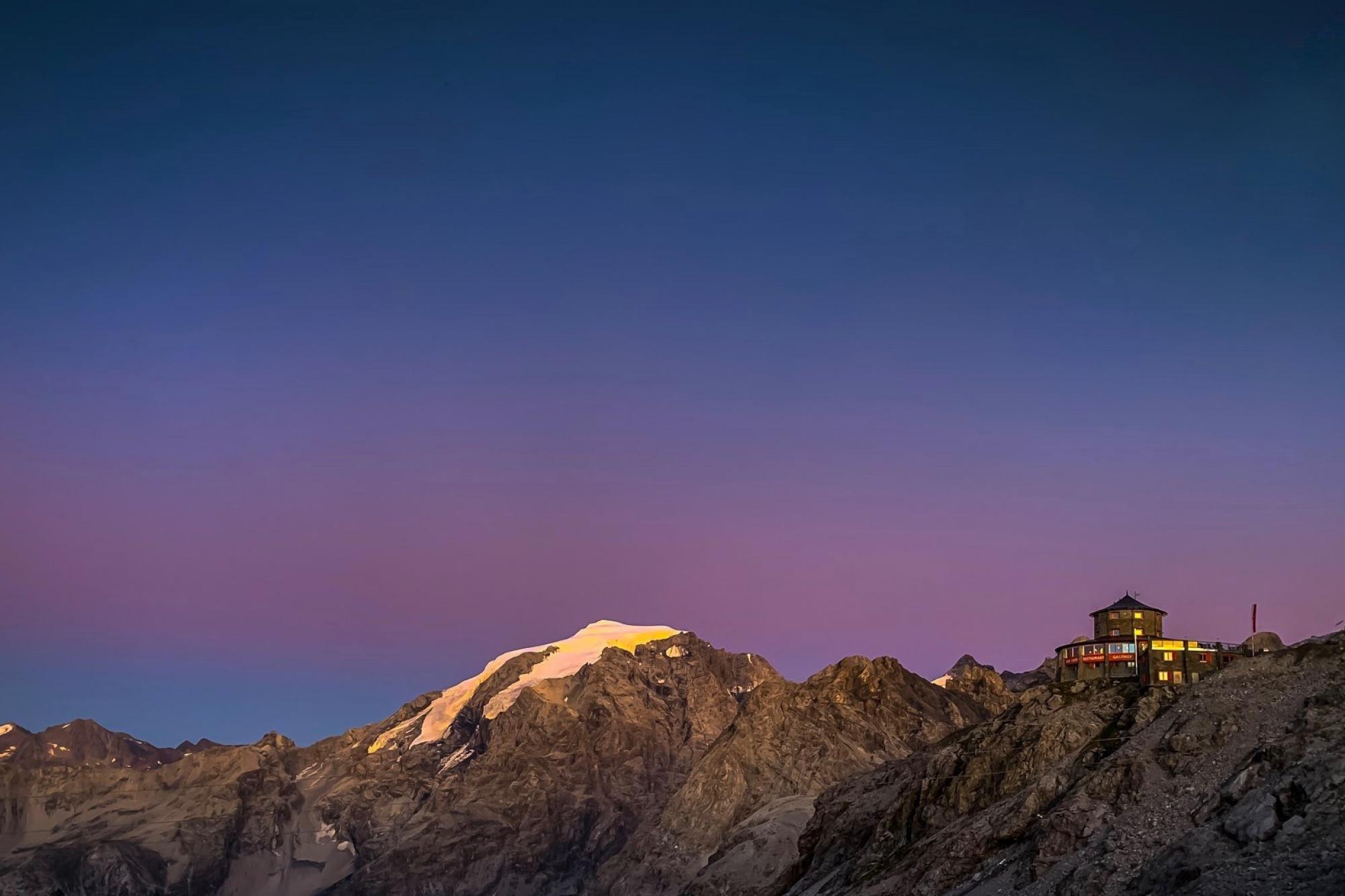 Panoramic view Stelvio Pass - Alpine Hotel Tibet Hut